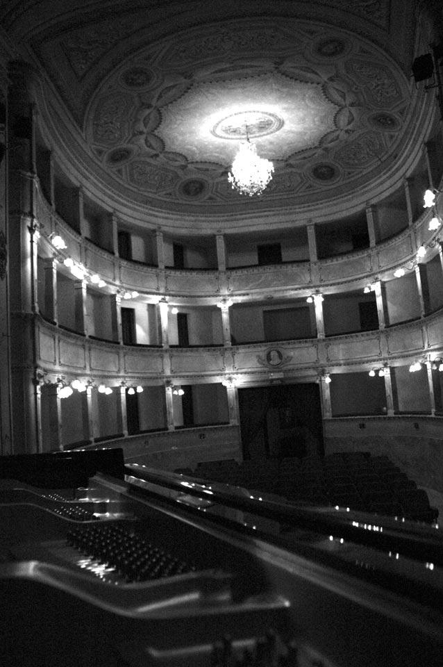 interno-teatro-anghiari-teatro-comunale-dei-ricomposti-24