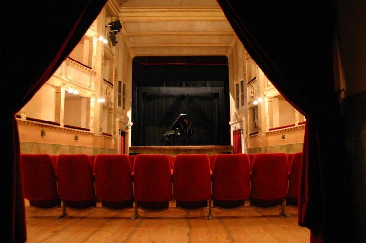 platea-teatro-comunale-dei-ricomposti-anghiari-arezzo