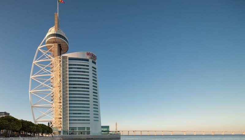 O moderno hotel Myriad by SANA em Lisboa