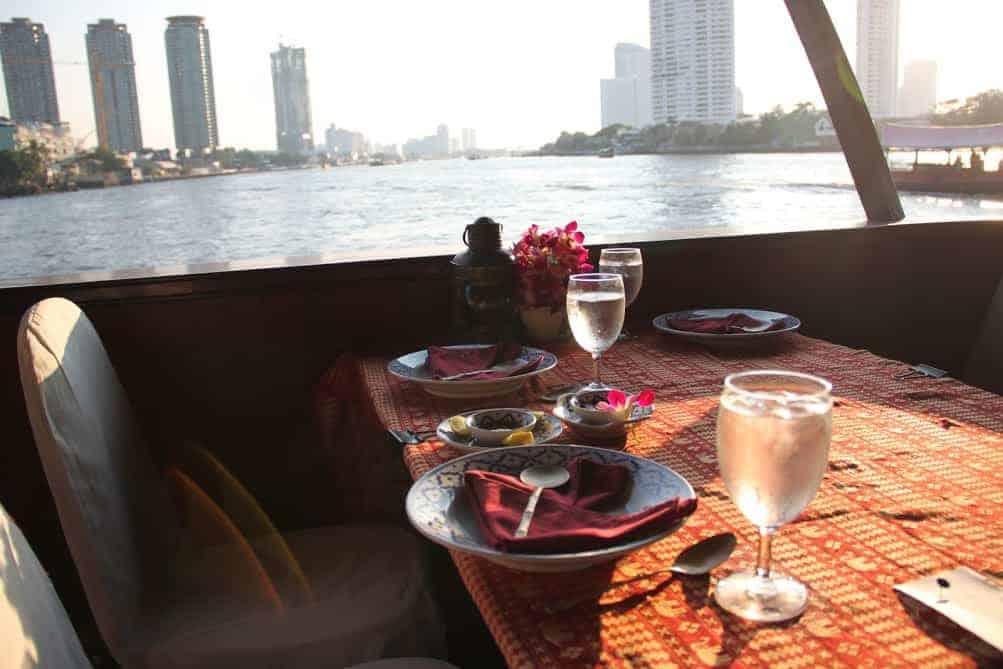 Loy Nava dinner cruise Bangkok night