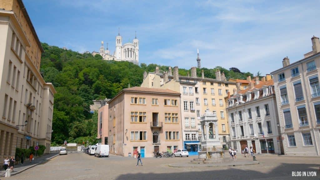 Visiter Lyon - Place Saint-Jean   Blog In Lyon