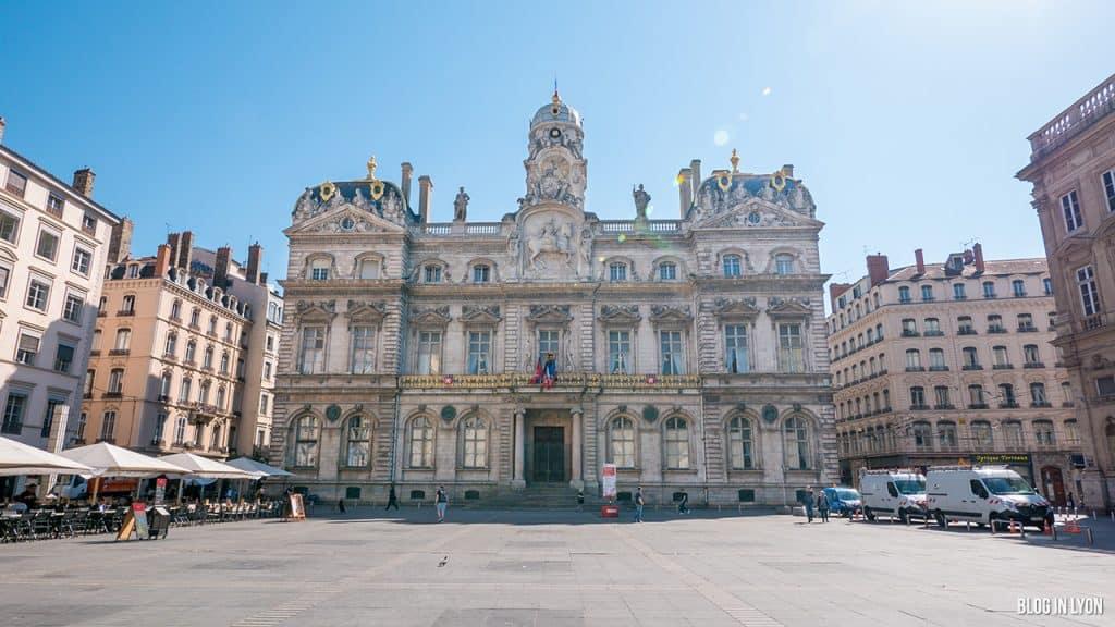 Visiter Lyon - Place des Terreaux - Hôtel de Ville | Blog In Lyon