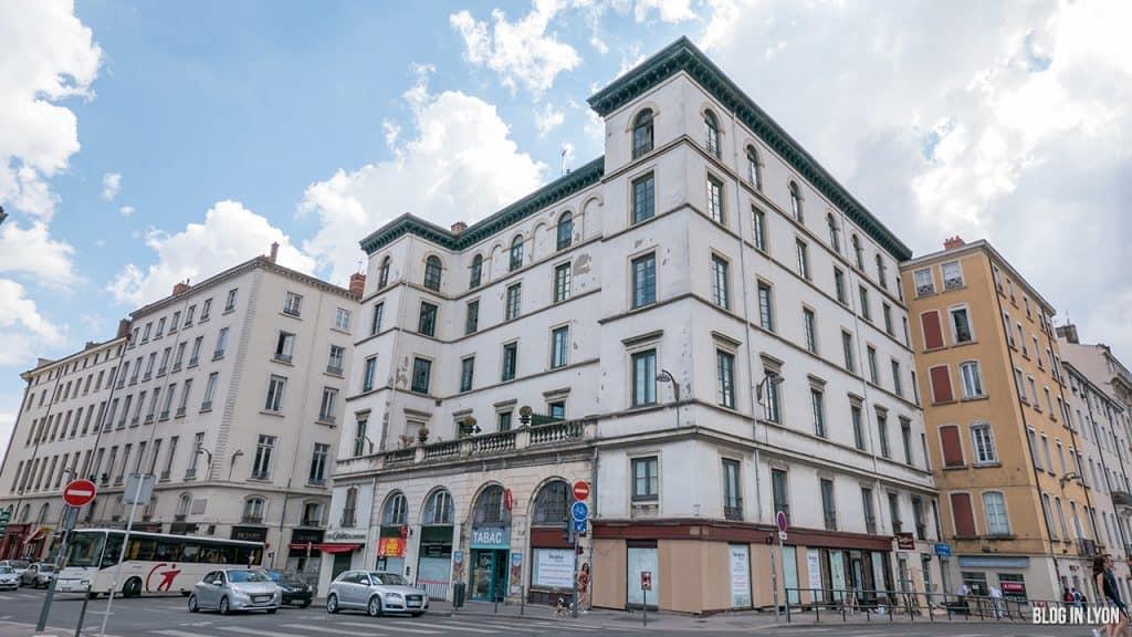 Visiter Lyon – Rue du plat - Palais Royal | Blog In Lyon