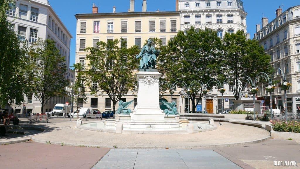 Visiter Lyon – Place Ampère | Blog In Lyon