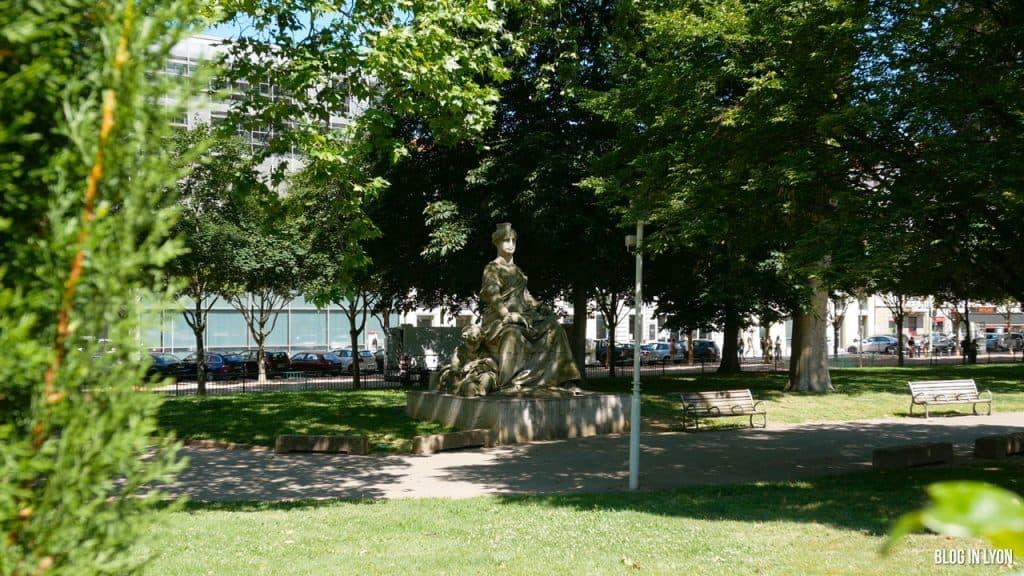 Visiter Lyon – Statue Ville de Lyon Place Carnot | Blog In Lyon