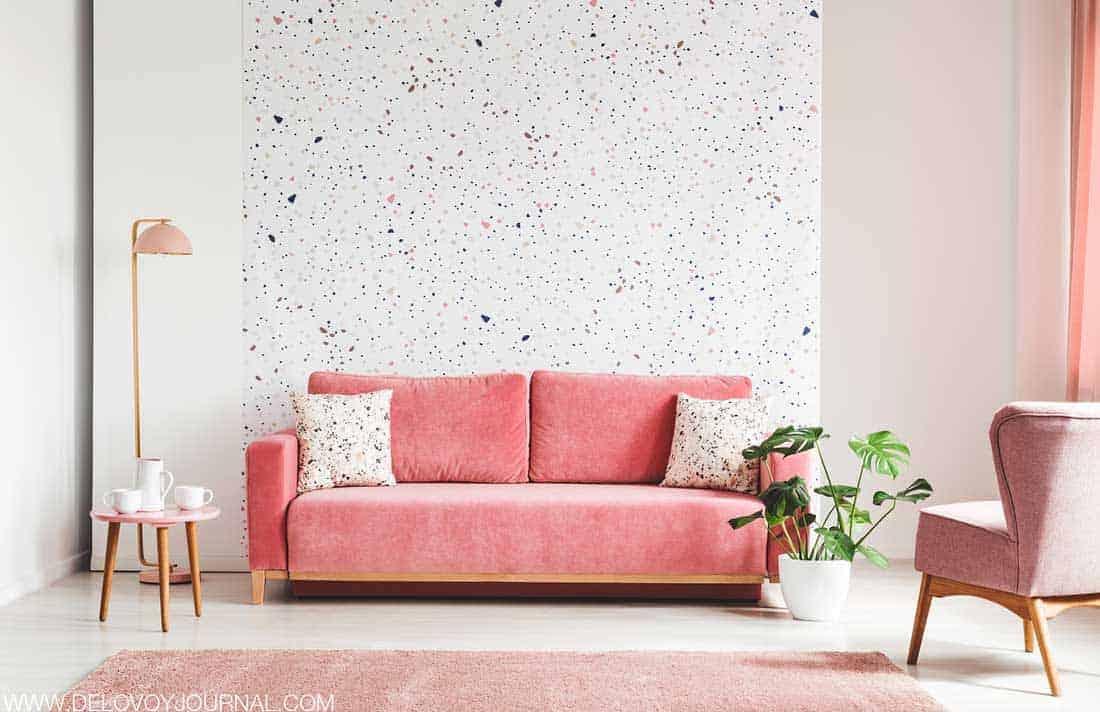Оформление гостиной в розово-белых тонах
