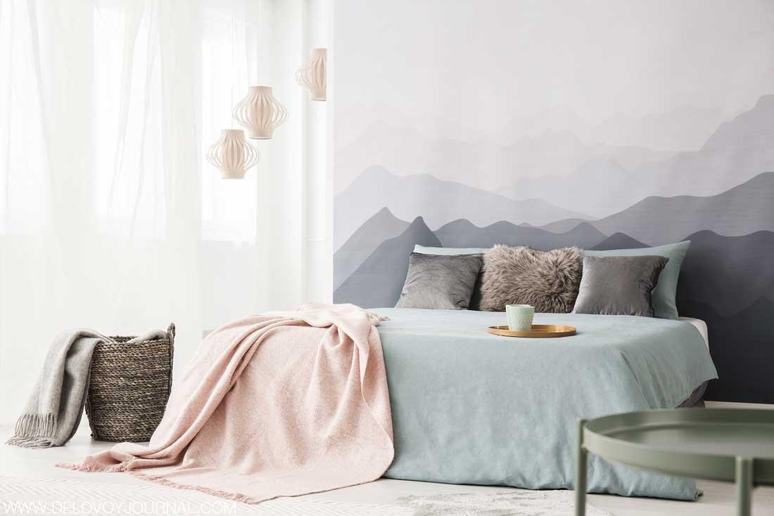 Сочетание серого и розового в дизайне спальни