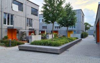 Bild: Nachbarschaftstreff eines Reihenhaus-Clusters (Mitte) Am Harthof, Foto: ver.de