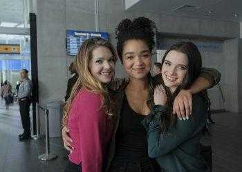 """THE BOLD TYPE -- """"Feminist Army"""" Episode 201 -- Pictured: (l-r) Meghann Fahy as Sutton Brady, Aisha Dee as Kat Edison, Katie Stevens as Jane Sloan -- (Photo by: Philippe Bosse/Freeform/Universal Television)"""