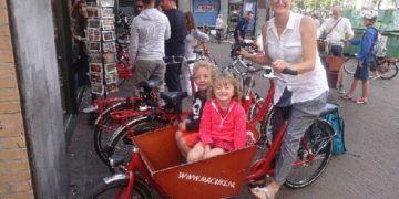 Bakfiet bike in amsterdam