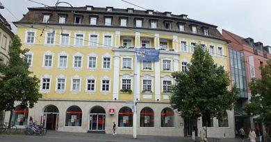 Barbarossaplatz in Würzburg - Jacquesverlaeken, CC BY-SA 4.0 https://creativecommons.org/licenses/by-sa/4.0, via Wikimedia Commons