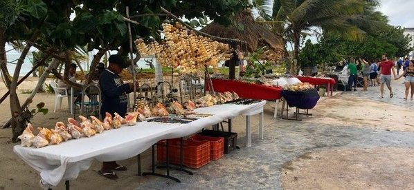 Souvenir vendor in mahahual