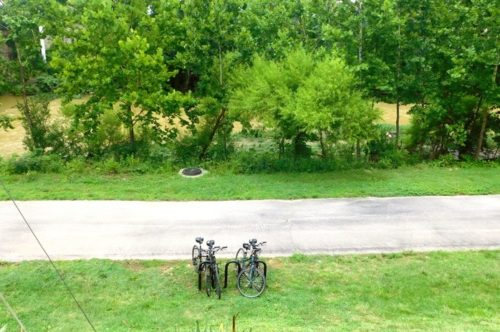 A stop on the very green roanoke greenway next to the roanoke river, an ideal path for bicycle riding with kids.