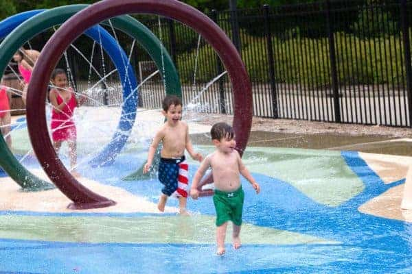 The woodlands hotel in virginia has a great pool and splash pad.