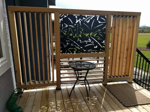 louver and metal sheet combo for a privacy screen