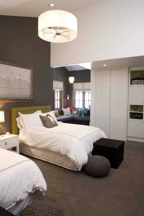 dark gray carpet color goes with high dark gray walls