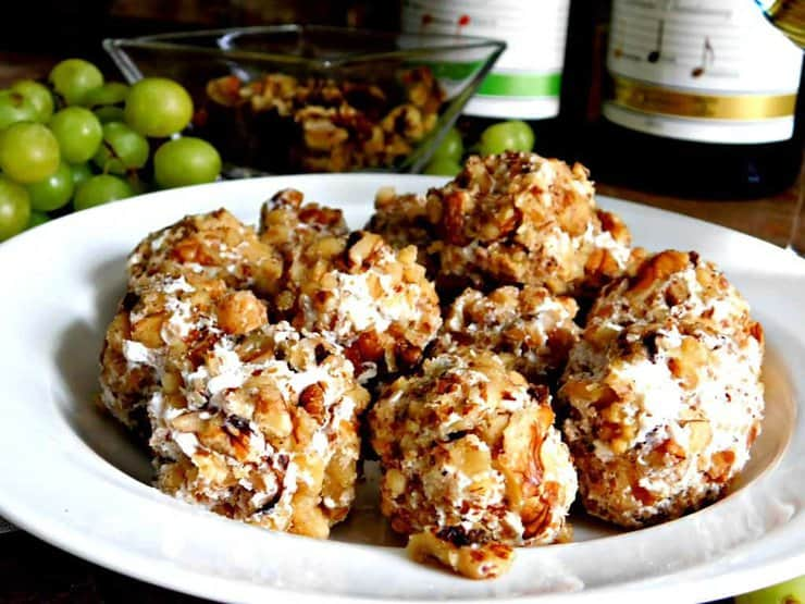 Grape and Goat Cheese Ball