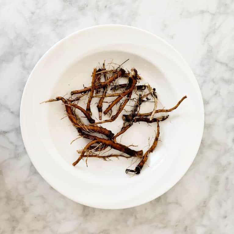 dandelion roots washed