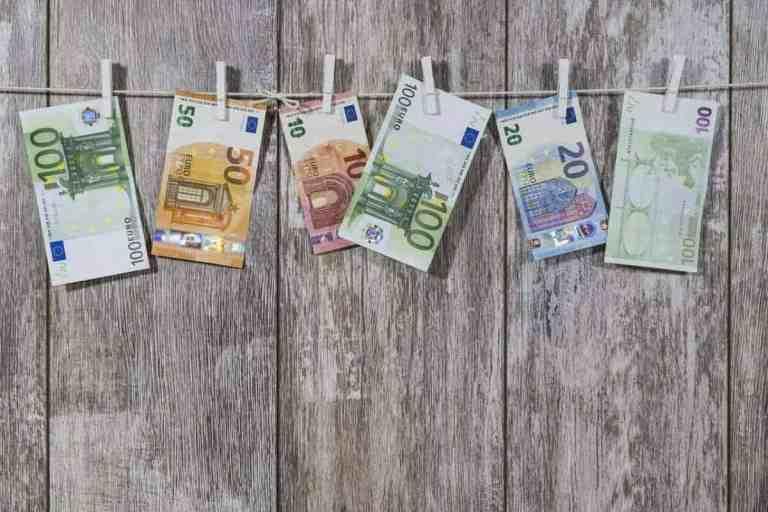 Money scaled