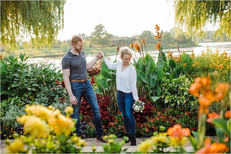 Chicago Botanic garden engagement session posing ideas