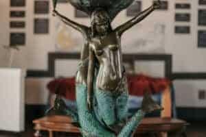 East Coast's 1st Mermaid Museum Open in Berlin, Md.