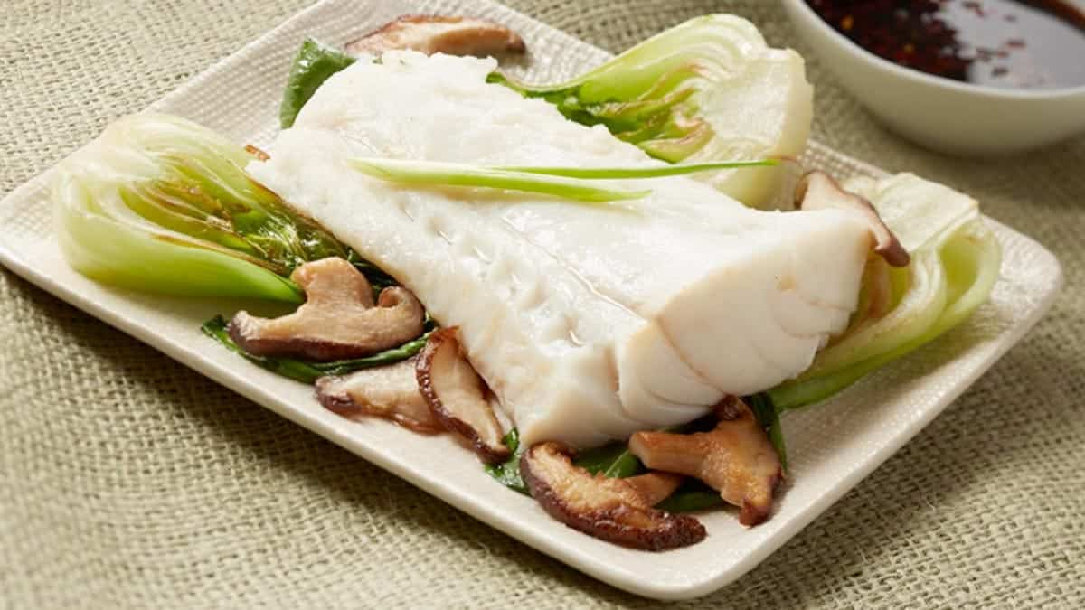 Steamed Cod with Chile Soy Dipping Sauce