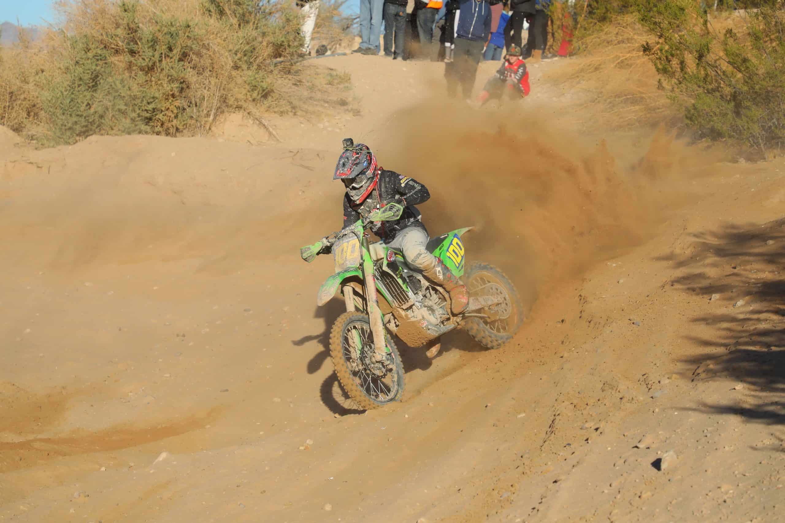 zach bell riding his kx450 at the 2020 havasu worcs