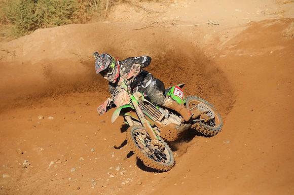 clay hengeveld riding his kx450 at the 2020 havasu worcs