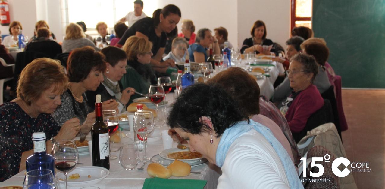 Las mujeres compartieron una comida de hermandad entre otras actividades