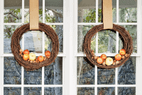 DIY HANGING WREATHS PORCH DECOR IDEAS FOR FALL AND WINTER