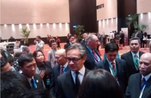 Menlu Marty Natalegawa menjawab wartawan di Markas PBB
