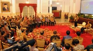 Presiden Jokowi saat berbicara di hadapan peserta Lemhanas, di Istana Negara, Jakarta, Selasa (18/11)
