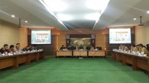 Suasana pertemuan antara Komisi II DPR-RI dengan para pejabat Pemprov Kalbar, di Pontianak, Rabu (18/3)