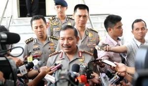 Kapolri Jenderal Badrodin Haiti menjawab wartawan di Istana Negara, Jakarta, Senin (18/5)
