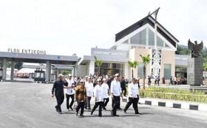 President Jokowi inaugurates an Integrated Cross-Border Post (Cabinet Secretariat's PR)