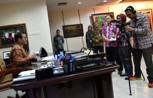 Cabinet Secretary Pramono Anung explains terrorism attacks in Surabaya, at his office, Jakarta, Tuesday (15/5) morning (Photo: Human Relations Division/Rahmat).