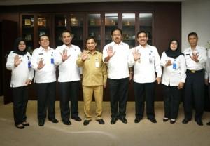 Gubernur Kepri saat menerima Kepala BNPP Kepri yang baru di Kantor Gubernur, Senin (15/1)