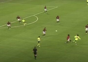 Ronaldinho Pass AC Milan