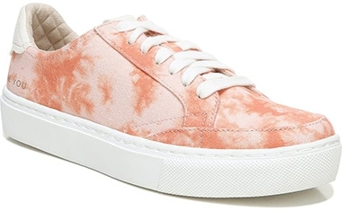 Dr. Scholl's sneaker | 40plusstyle.com
