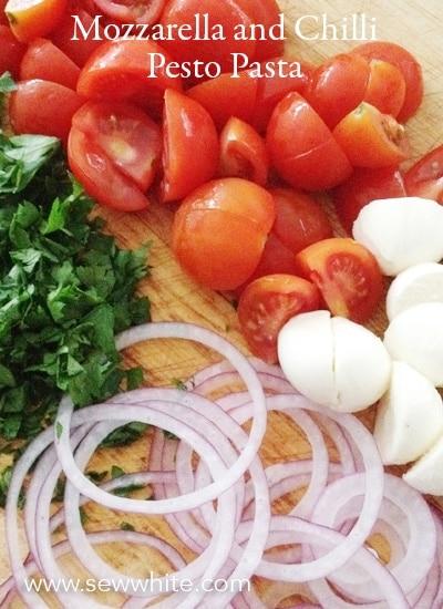 Sew White Mozzarella and Chilli Pesto Pasta Recipe 2