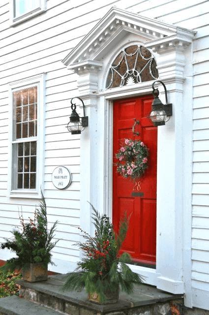 GLOWING VINTAGE DOOR PORCH DESIGN IDEAS