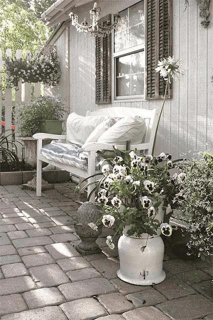ROMANTIC WHITE FLOWER SHABBY CHIC PORCH DECOR IDEAS