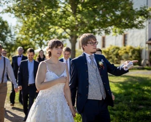 ein Suchspiel mit dem Brautpaar