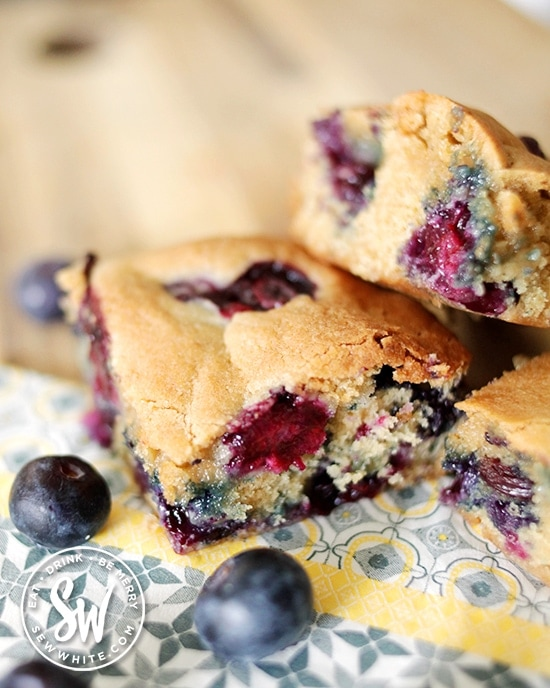 cooked blueberries in the chunky cookie