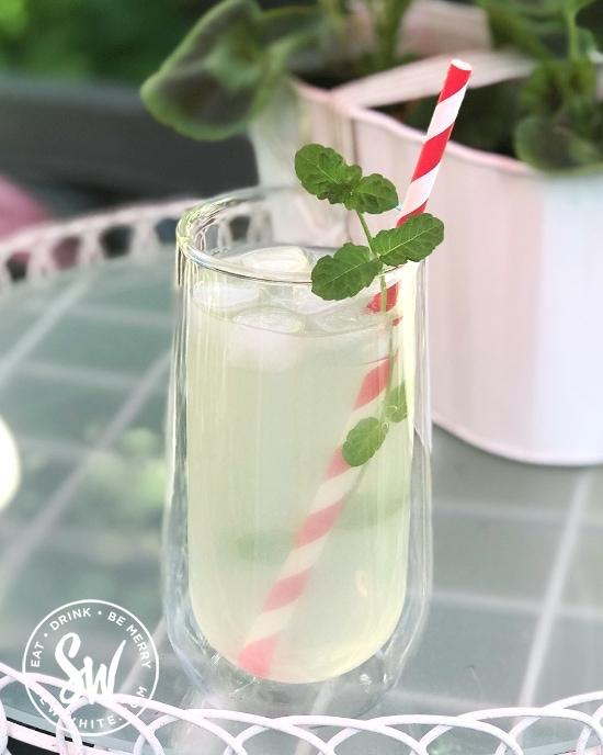 Easy white rum and elderflower cordial cocktail.