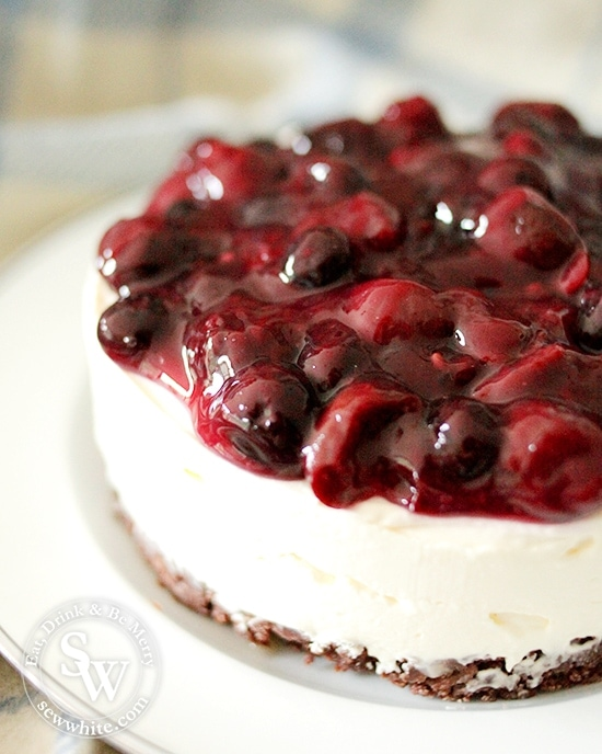 black forest cheesecake without the chocolate on top.