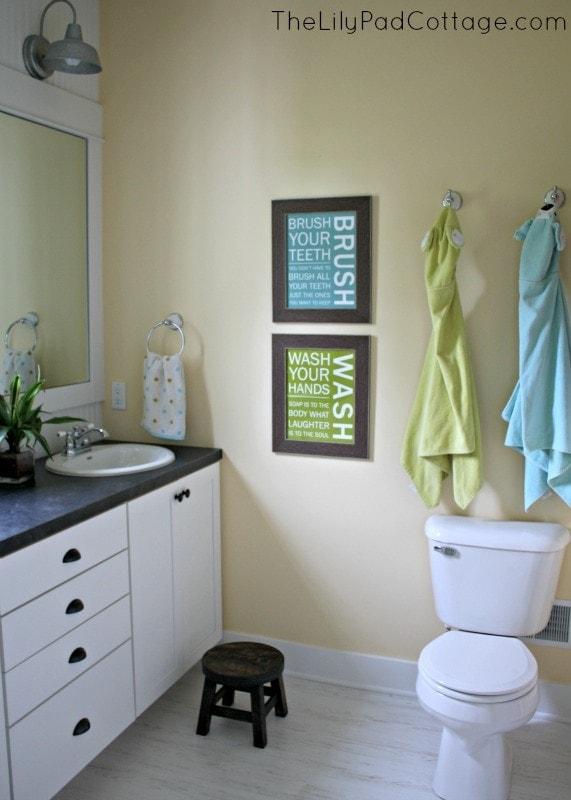 Kids Bathroom - www.thelilypadcottage.com
