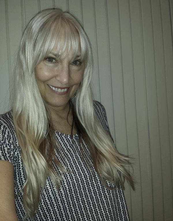 long and sleek gray hair   40plusstyle.com