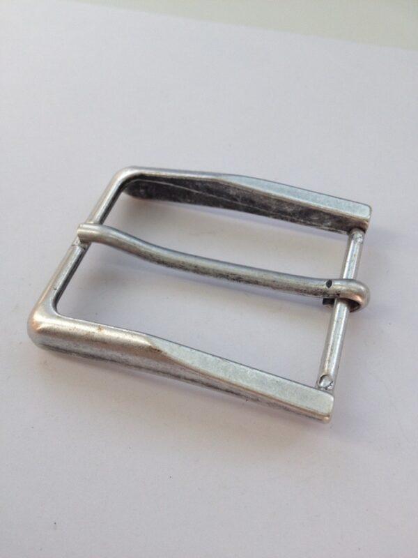   290р.   6   <p>Пряжка для ремня, ширина 35 мм. Для мужского и женского ремня. Превосходное Итальянское качество.</p>