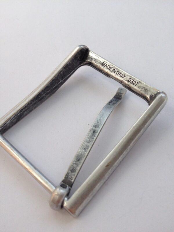   290р.   4   <p>Пряжка для ремня, ширина 35 мм. Для мужского и женского ремня. Превосходное Итальянское качество.</p>